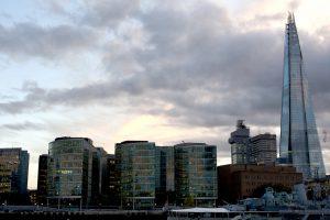LONDRA - Lungo il Tamigi
